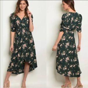 NWT Mid-length Sophrano Floral 3/4 Sleeve Dress